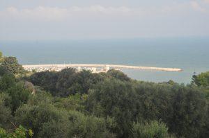 Blick auf den Hafen von Rodi Garganico im Gargano Apulien