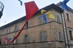 Drachen in Urbino in den Marken