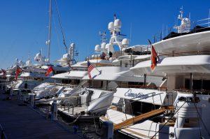 Yachten im Hafen von Genova Genua
