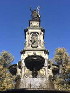 Piazza Amburgo Stadtführungen Fahrrad Tour Hamburgs Brunnen erzählen Geschichte