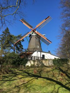 die Bergedorfer Windmühle